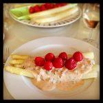Asperges met aardbeien... #heerlijk! Recept op #jammie040... - jammie040.coachsander.nl